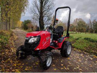 TYM T255 traktor
